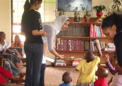 Luthfiya, Favourite and Priya entertaining the kids